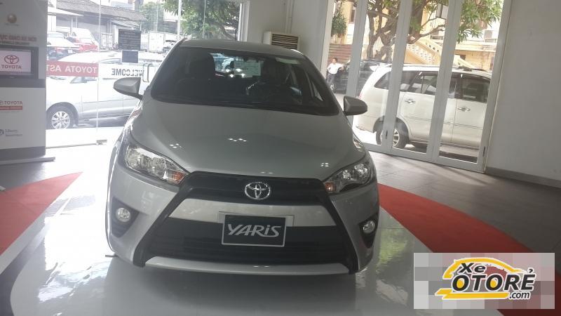 Toyota Yaris 1.3E MÀU BẠC 2016