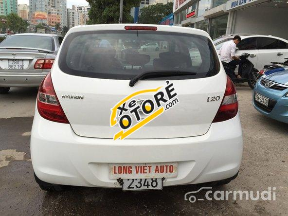 Cần bán lại xe Hyundai i20 AT 2011, màu trắng đã đi 20000 km