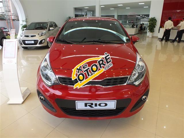 Cần bán Kia Rio đời 2015, màu đỏ, xe nhập
