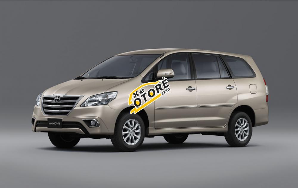 Bán Toyota Innova 2.0 G 2016, màu vàng