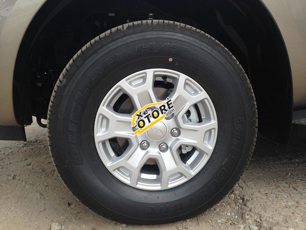 Bán xe Ford Ranger XLS 2.2L AT mới, nhập khẩu, giá cả cạnh tranh