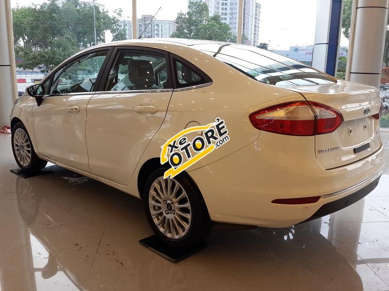 Bán Ford Fiesta 1.5L AT Titanium mới, màu trắng, giá tốt thương lượng