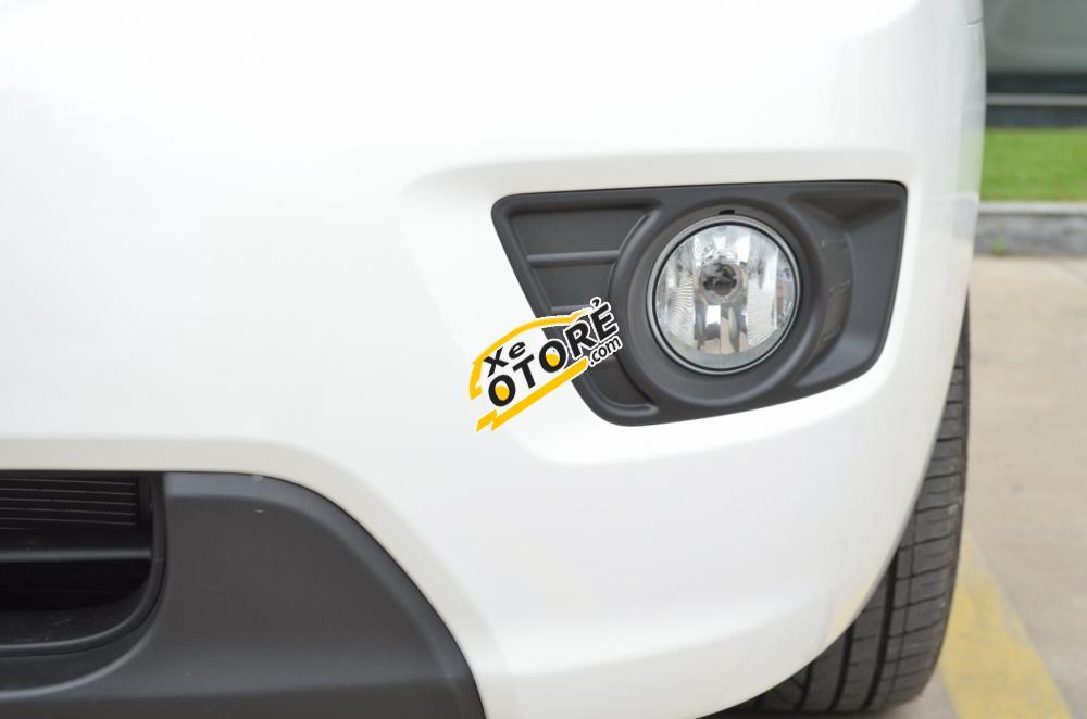 Bán Kia Carens EXMT đời 2015, màu trắng giá 570triệu