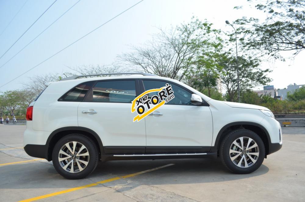 Cần bán Kia Sorento đời 2016, màu trắng, xe chất lượng