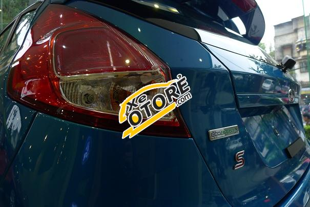 Bán ô tô Ford Fiesta đời 2015, màu xanh lam, 595 triệu
