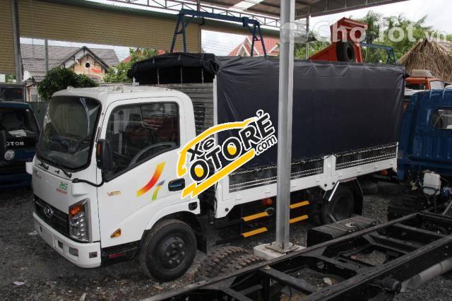 Xe tải Veam 2 tấn 4, SX 2015, máy của Hyundai, bán xe trả góp đến 70%