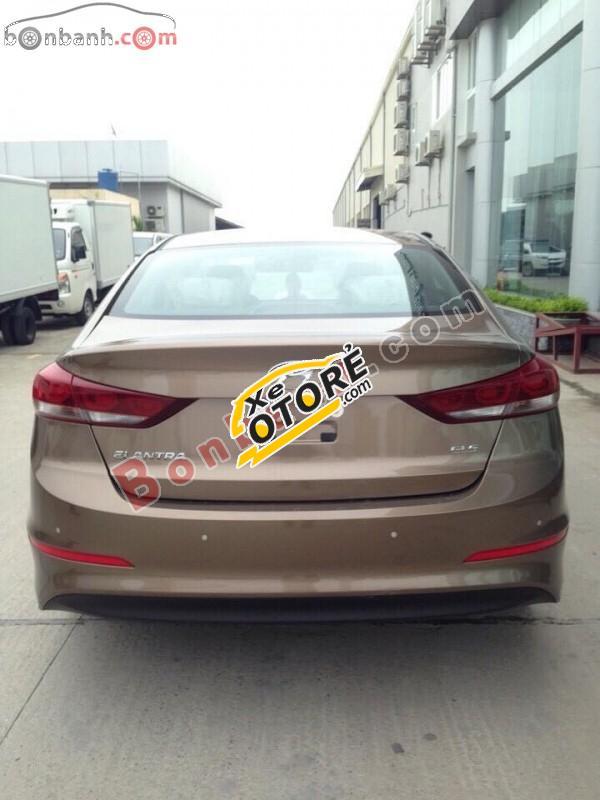 Cần bán Hyundai Elantra 1.6AT đời 2016, màu nâu giá cạnh tranh