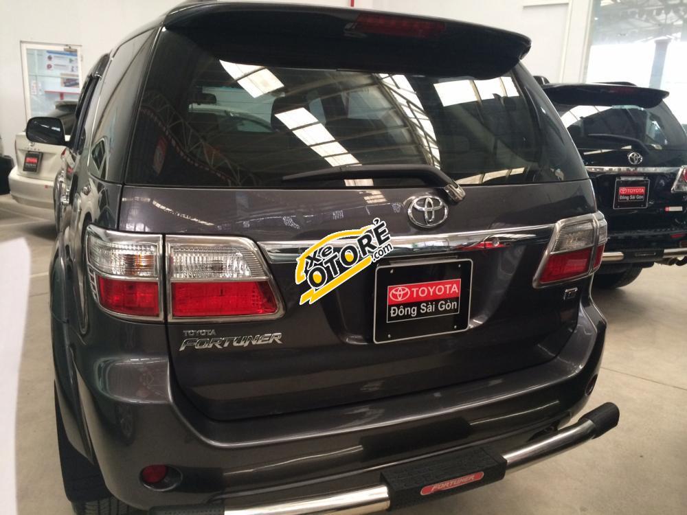 Cần bán xe Toyota Fortuner G đời 2010, màu xám