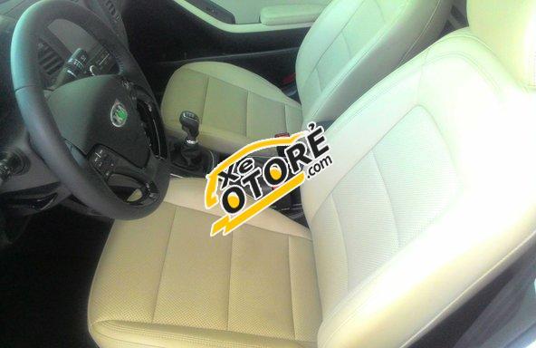 Bán xe Kia Cerato 1.6 MT đời 2016, màu trắng, giá tốt