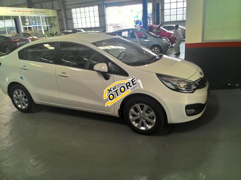 Kia Rio Sedan: Tối ưu cho người dùng