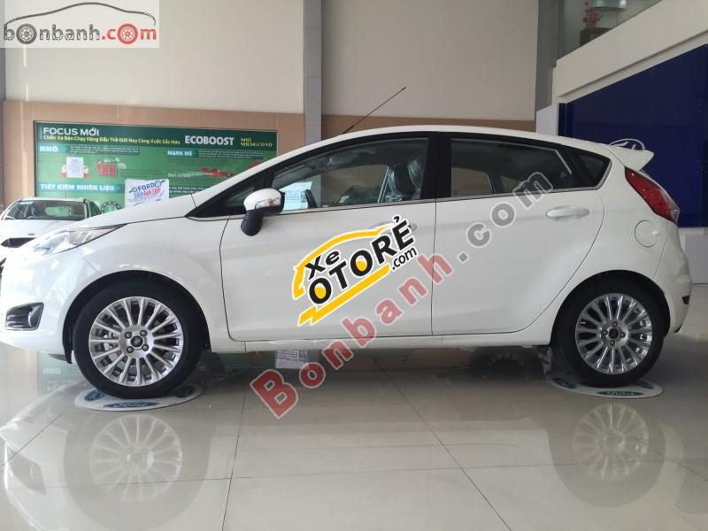 Bán Ford Fiesta Titanium năm 2016, màu trắng, nhập khẩu chính hãng, giá tốt
