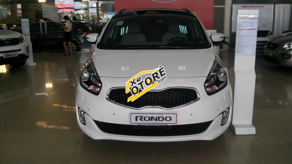 Bán Kia Rondo GAT sản xuất 2016, màu trắng