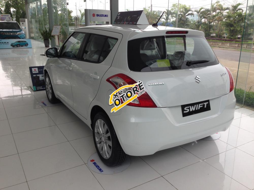 Bán Suzuki Swift đời 2016, màu trắng
