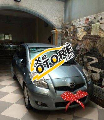 Tôi cần bán Toyota Yaris AT đời 2010 số tự động