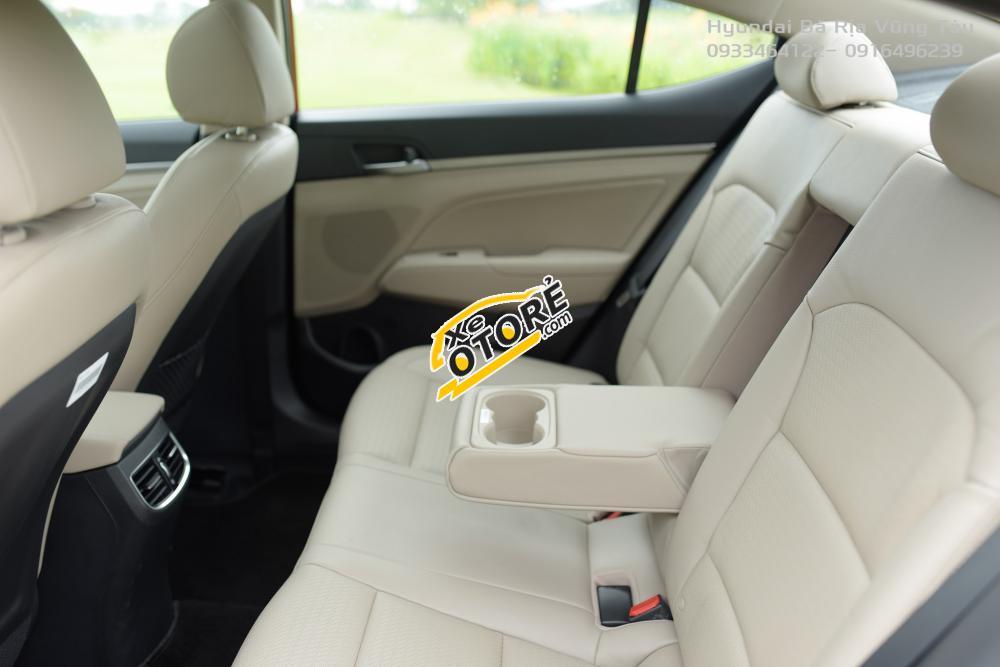 Hyundai Elantra 2.0 AT model 2017 tặng Iphone tại Bà Rịa Vũng tàu - 0933464122 Mr Thành