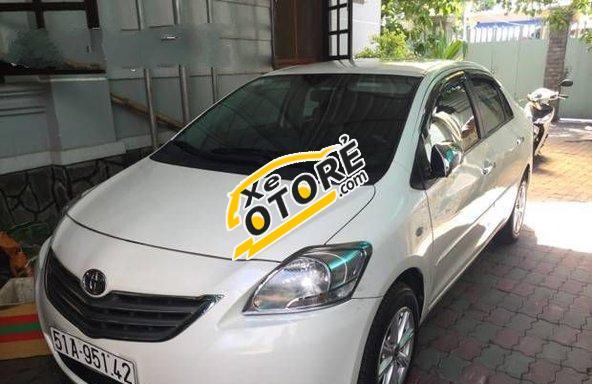 Em bán Toyota Yaris MT 2008, màu trắng số sàn, 380tr