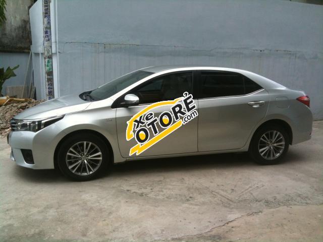 Bán Toyota Corolla Altis 1.8 G CVT đời 2015, màu bạc