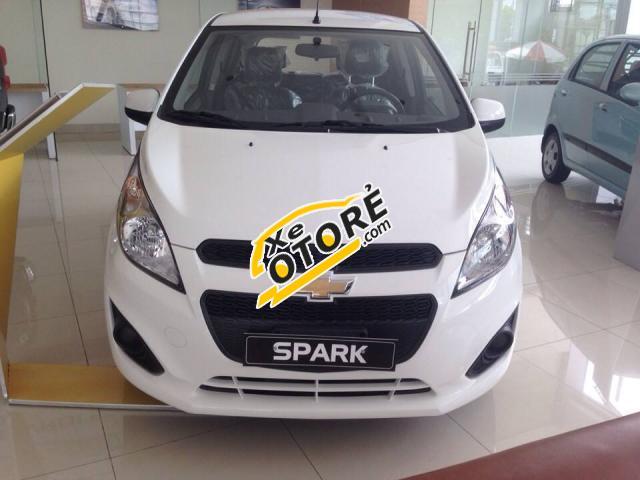 Cần bán Chevrolet Spark LS đời 2016, màu trắng, xe mới