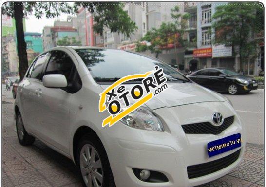 Bán ô tô Toyota Yaris đời 2010, màu trắng, xe nhập, giá 555 triệu