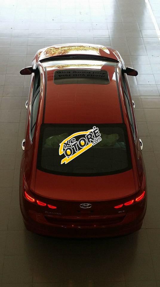 Hyundai Elantra MT - Giá rẻ nhất miền trung
