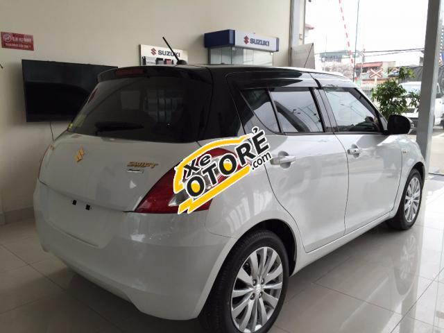 Bán Suzuki Swift 2016, màu trắng