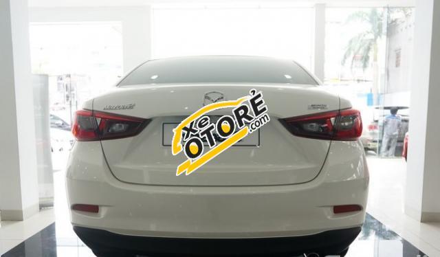 Bán xe Mazda 2 đời 2016, màu trắng, nhập khẩu nguyên chiếc, xe mới