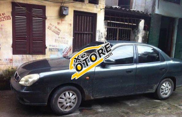 Gia đình cần bán xe Daewoo Nubira MT đời 2001, màu đen số sàn