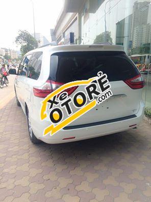 Bán xe mới nhập khẩu Toyota Sienna Limited màu trắng, bảo hành 36 tháng