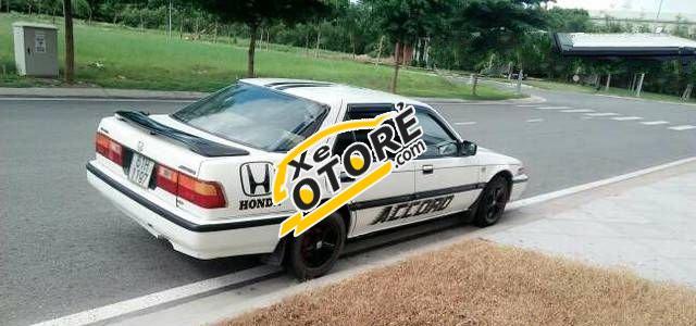 Em bán ô tô Honda Accord MT đời 1989, màu trắng số sàn giá cạnh tranh
