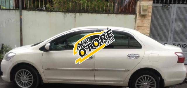 Tôi cần bán xe Toyota Yaris MT đời 2008, màu trắng số sàn