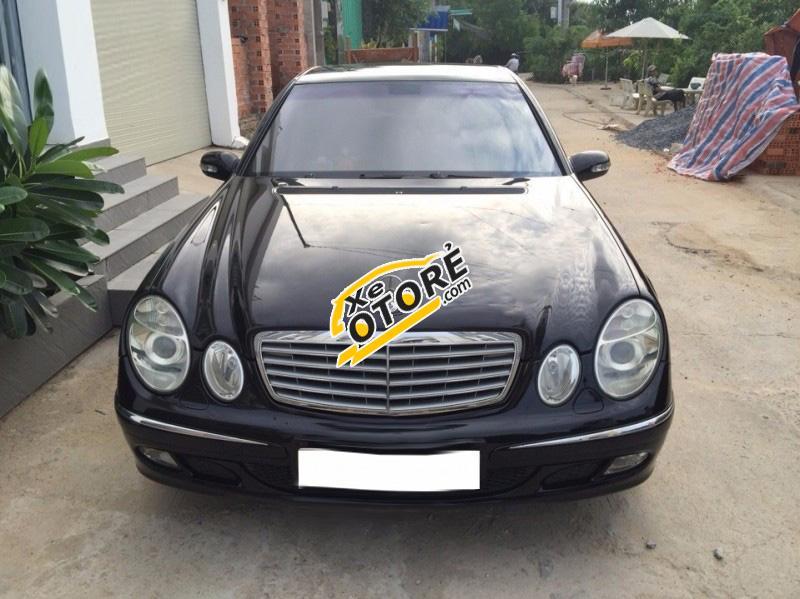 Cần bán lại xe Mercedes E240 năm 2003, màu đen, giá 425tr