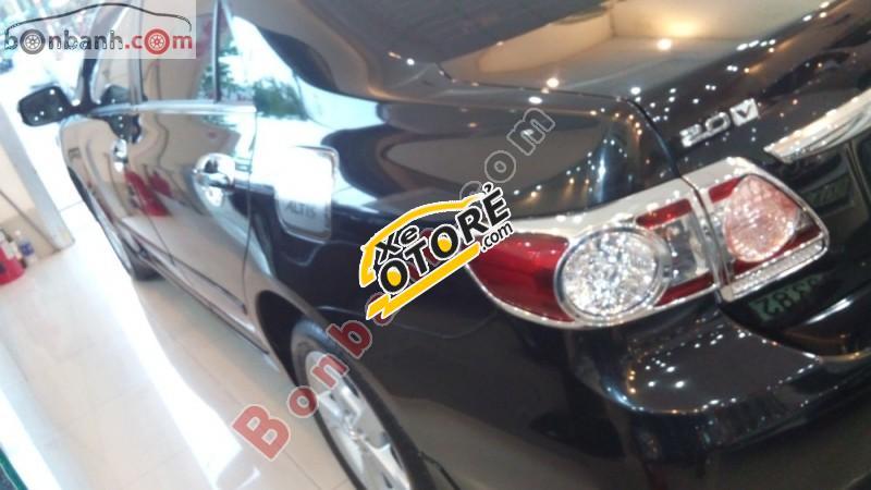 Bán Toyota Corolla altis 2.0V năm 2012, màu đen còn mới, 735tr