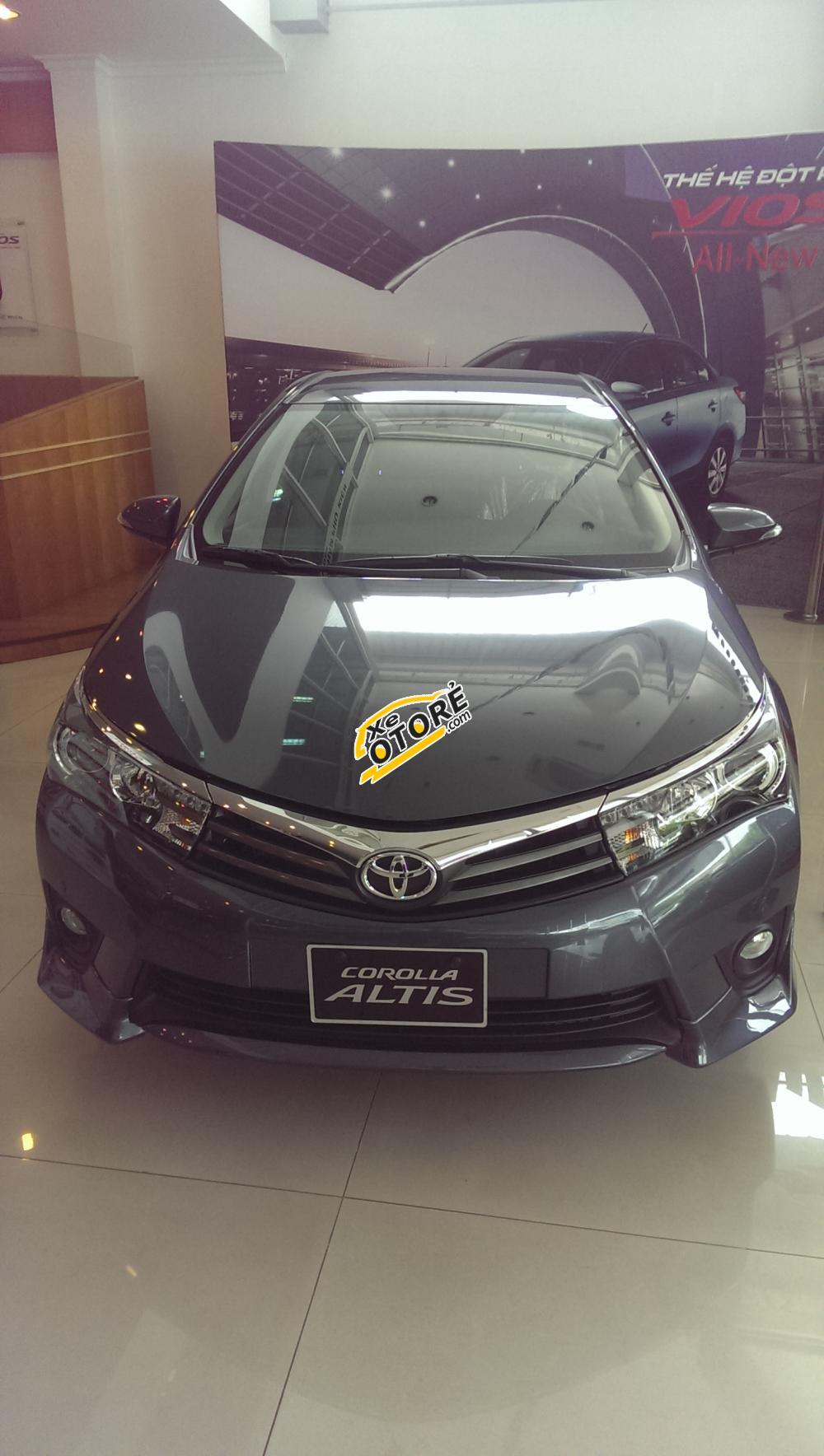 Toyota Gò Vấp cần bán xe Toyota Corolla Altis 2.0 V, giá 900 triệu giao ngay đời 2016