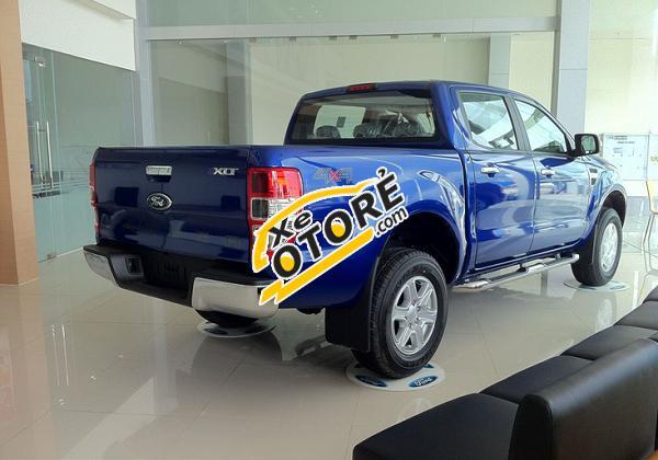 Bán xe Ford Ranger XLT 4x4 MT đời 2017, nhập khẩu nguyên chiếc, hỗ trợ trả góp