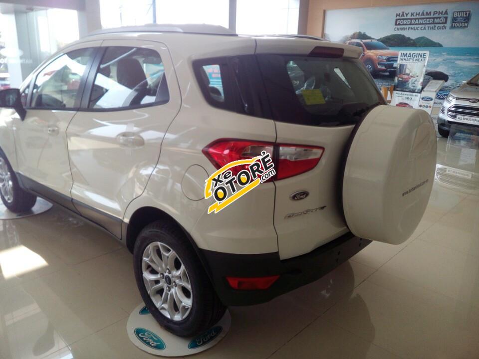Cần bán xe Ford EcoSport Titanium đời 2016, màu trắng, giá chỉ 625triệu, tặng 1 năm BH thân vỏ