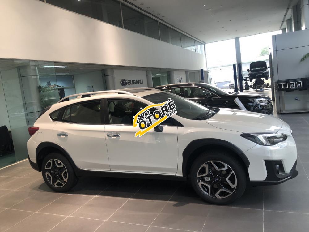 Cần bán Subaru XV 2.0i-S EyeSight sản xuất 2018, màu trắng, xe nhập