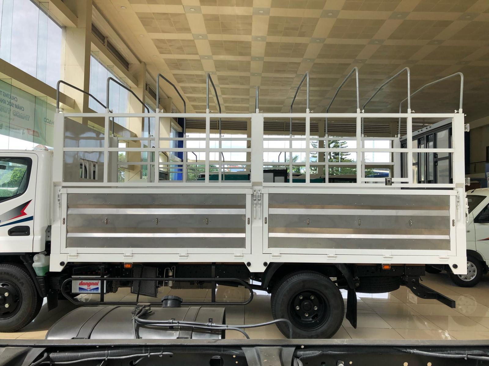 Bán xe Fuso Canter 4.99 2021, màu trắng