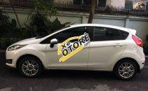 Cần bán gấp Ford Fiesta 1.5AT đời 2015, màu trắng