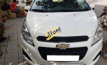 Cần bán xe Chevrolet Spark đời 2015 số sàn, màu trắng