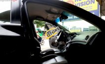 Cần bán Chevrolet Cruze đời 2010, màu bạc số tự động giá cạnh tranh