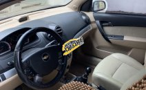 Cần bán xe Chevrolet Aveo LT năm 2015, màu bạc
