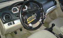 Cần bán xe Chevrolet Aveo LT sản xuất 2015, màu bạc
