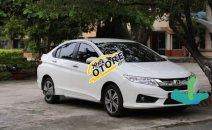 Cần bán gấp Honda City AT 2014, màu trắng, nhập khẩu, nội thất còn nguyên