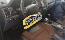Cần bán Ford Ranger Wildtrak 3.2 đời 2015, màu trắng, xe chạy tốt, cực bốc, có trầy nhẹ