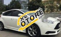 Bán Ford Focus 2.0 đời 2015, màu trắng còn mới