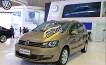 Bán Volkswagen Sharan đời 2017, màu vàng, nhập khẩu