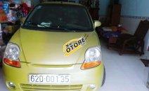 Gia đình bán Chevrolet Spark Van năm 2010, màu vàng chanh