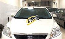 Cần bán gấp Ford Focus AT đời 2013, màu trắng số tự động giá cạnh tranh
