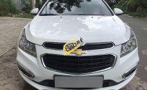 Cần bán gấp Chevrolet Cruze LT đời 2016, màu trắng số sàn, 395 triệu
