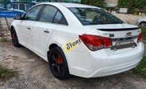 Bán xe Chevrolet Cruze LS1.6 sản xuất 2014, màu trắng như mới